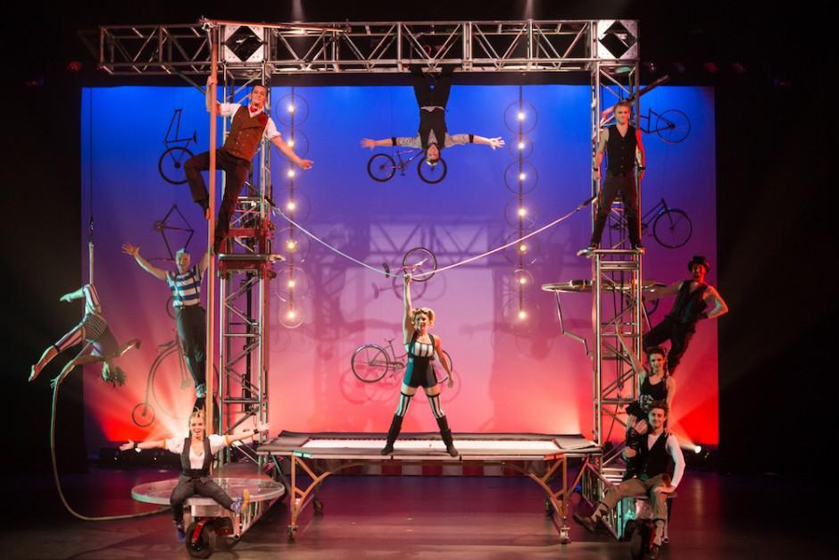 Cirque Mechanics at International Festival of Arts & Ideas